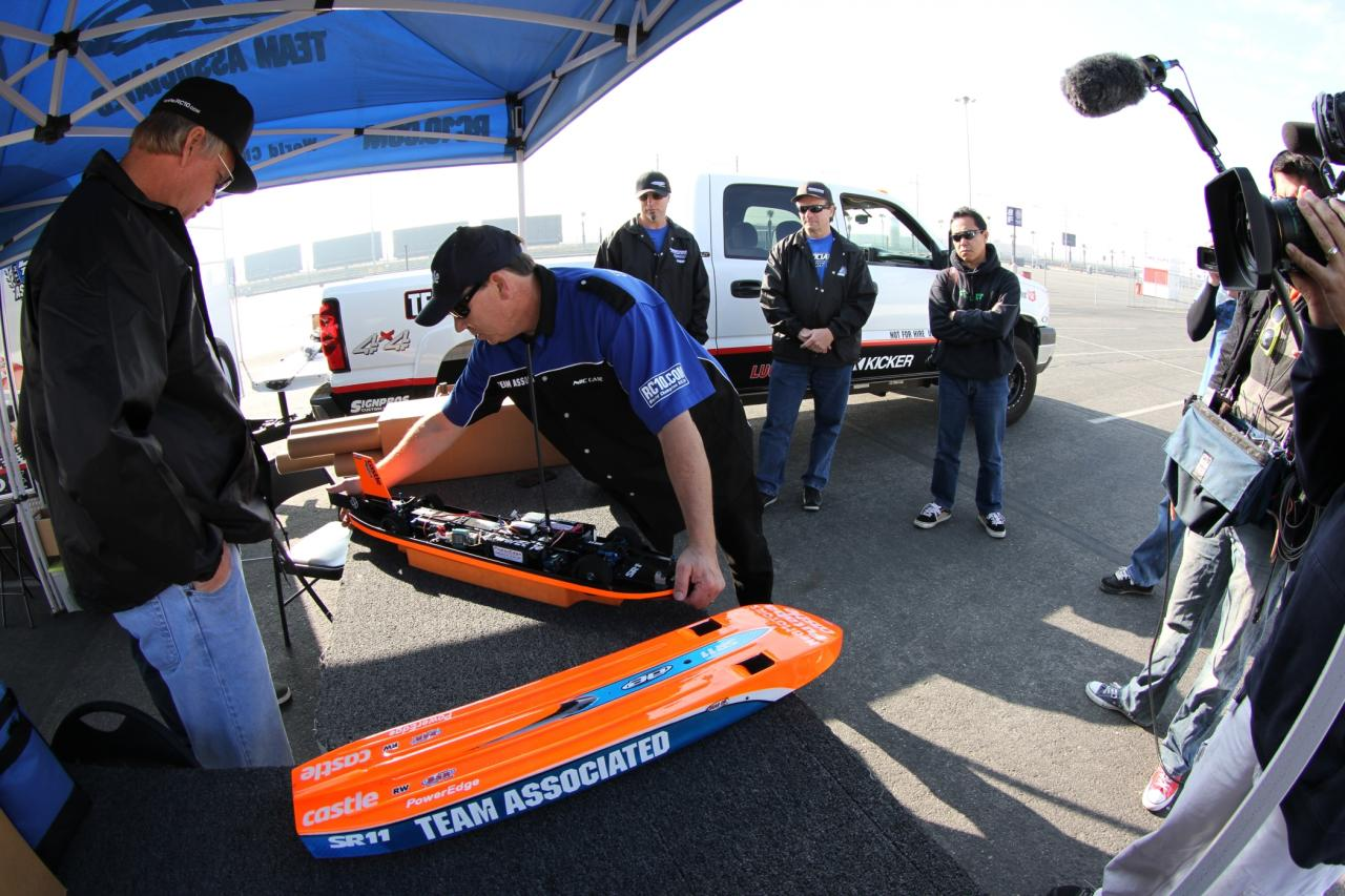 200 Mph Rc Car Team Ociated Breaks Into Super Territory